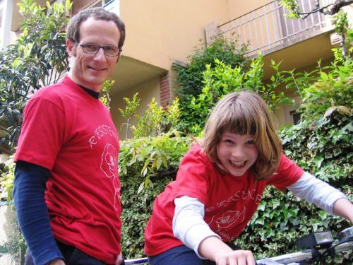 2009 04 Aprile Micol in bici