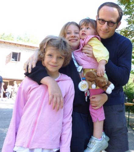 2010 luglio Massimo con le 3 bimbe