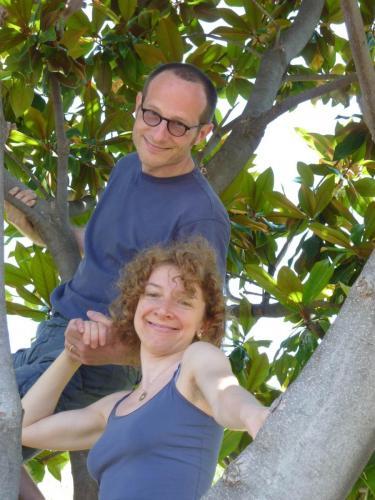 2011giugno marg e massimo su albero